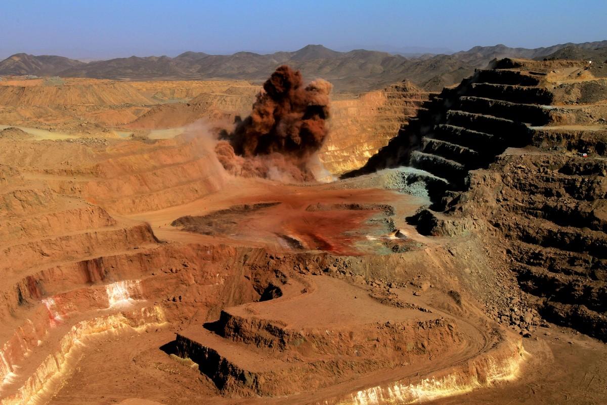6 DEAD IN SUDAN GOLDMINE COLLAPSE